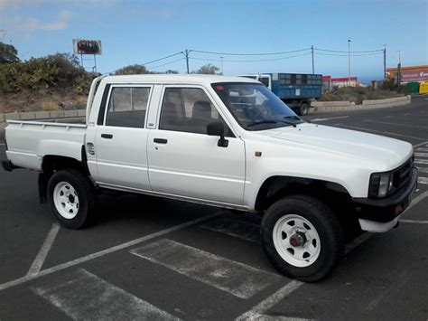 sold 1988 toyota hilux cab 4 215 4 truck