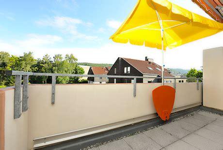 sonnenschirm für kleinen balkon sonnenschirm rechteckig f 252 r balkon innenr 228 ume und m 246 bel