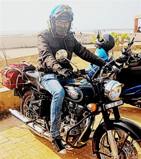 best royal enfield which helmet suits best for a black royal enfield classic