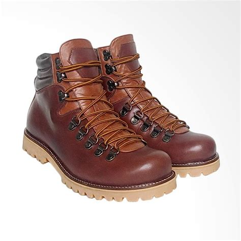 Sepatu Boots Hiking Gunung Pria Kulit Coklat Cbr Six Bsc 773 Asli jual daily deals wetan shoes sepatu gunung boots pria kulit asli waterproof big size 44 45