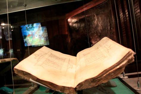 Jejak Jejak Islam merasakan jejak islam di museum perkembangan islam