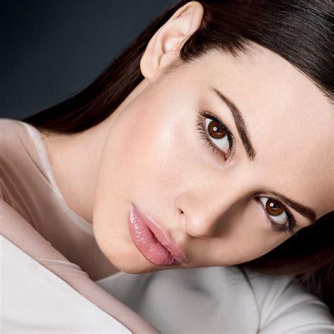Master Of All That Is Makeup by Zigomi Alti Possibile Con Il Trucco Viso Giusto