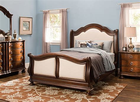 4 pc bedroom set pembrooke 4 pc queen bedroom set cream raymour flanigan