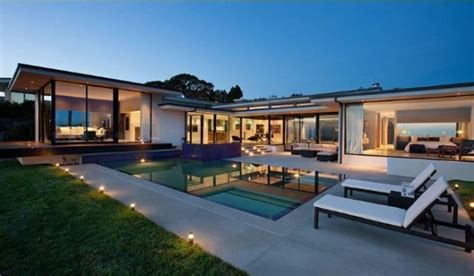 haus wang vera wang s modern glass and steel home in beverly