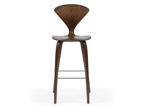 bar stools uk buy the cherner bar stool with wooden base at nest co uk