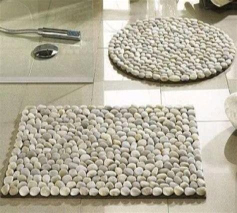 Keset Kaki Bludru Motif Batu membuat keset unik dari batu ala resort mahal zona kreatif