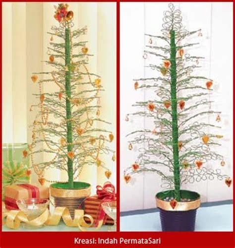 membuat pohon natal kecil rangkaian bunga natal bikin pohon natal hias dari kawat