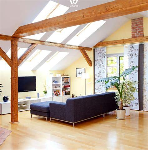 Le Mit Holzbalken by Einfaches Gem 252 Tliches Wohnzimmer Mit Tollen Holzbalken
