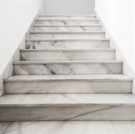 marble stairs if i own a fancy mansion expect these marble stairs