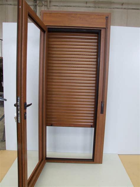 puerta con ventana ventanas de aluminio con compacto talleres usieto
