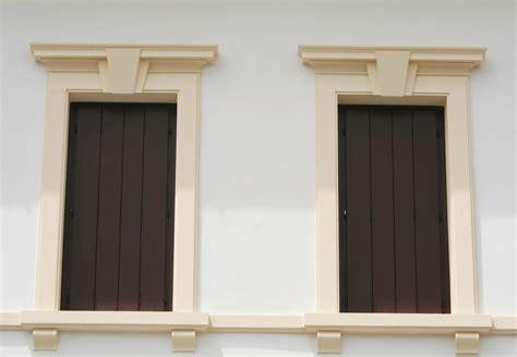 cornici esterne per finestre cornici contorni per finestre by eleni