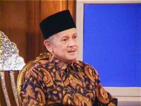 the biography of bj habibie b j habibie biography birth date birth place and pictures