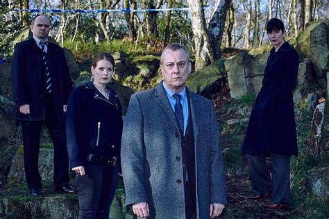 cast of dci banks stephen tompkinson of quot dci banks quot reflects on his