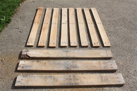 pallet woodworking building with pallets how to disassemble a pallet with