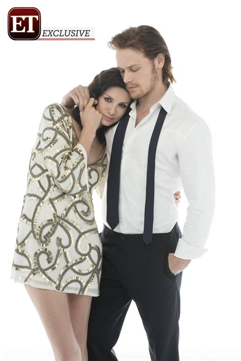 First look outlander stars caitriona balfe and sam heughan get cozy