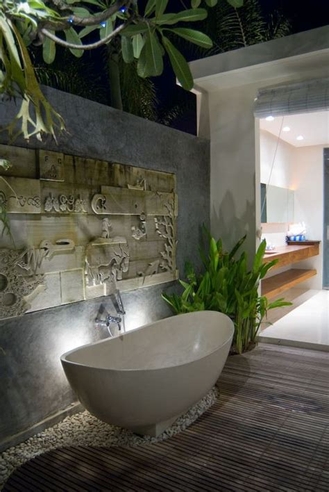 luxury outdoor bathrooms 25 best ideas about indoor outdoor bathroom on pinterest