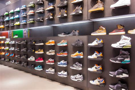 chs sports shoe store uk border officials seize thousands of counterfeit