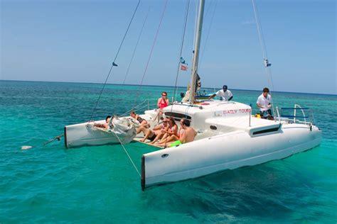 roatan catamaran excursion isla roatan catamaran sailing and snorkeling tour