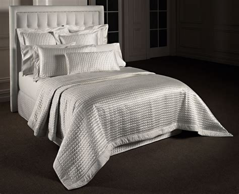 Coverlet And Duvet Bedroom Awesome White Bedspreads And Bed Linen On