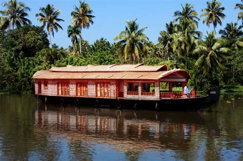 boat cruise alleppey houseboat day cruise in alleppey house boat day cruise