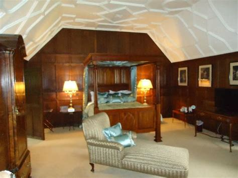 castle bed and breakfast 4 poster bed picture of hever castle bed and breakfast