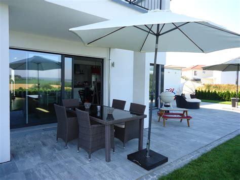 moderne pflanzgefäße terrasse terrasse bruckmeier garten und landschaftsbau