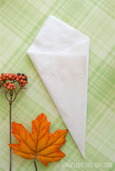Paper Serviettes Folding - paper napkin folding idea with chinet by the day