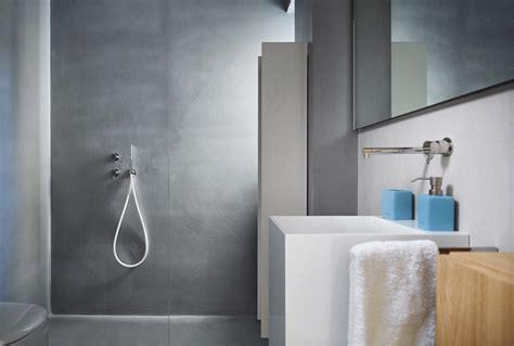 foto di bagni piastrellati rivestimento bagno moderno con microtopping