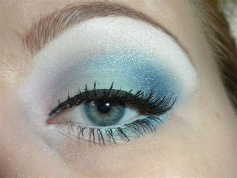 Eyeshadow Blue light blue eyeshadow makeup mugeek vidalondon