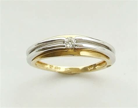 Bicolor Ring by Bicolor Gouden Ring Met Solitair Briljant Atelier Christian