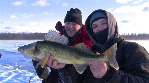 ice fishing walleye  crappie  mn larry smith