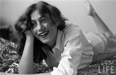 film india madhubala bei 223 en gedanken hindi movie actress madhubala relaxes in