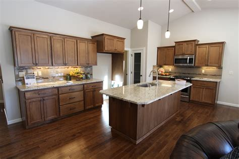 kitchen island countertop overhang kitchen island breakfast bar pictures ideas from hgtv hgtv regarding kitchen island
