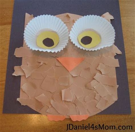 kindergarten lesson on texture and pattern owls owl craft with cupcake liner eyes made after reading the