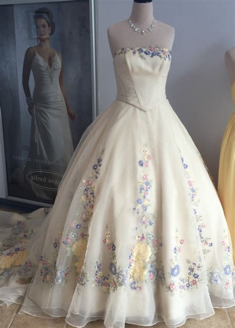 wedding dress i bought for my january 2011 afternoon wedding very alfred angelo cinderella wedding dress 2015