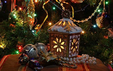 christmas tree and decorations computer wallpapers