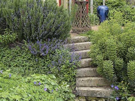 Faire Des Marches Dans Un Jardin by Fabriquer Un Escalier En Naturelle