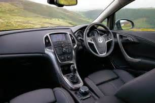 Vauxhall Astra Inside Vauxhall Astra Vs Ford Focus Pictures Auto Express