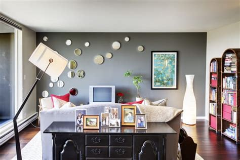 Accent Wall For Gray Living Room The Gray Accent Wall Provides A Crisp And Calm Atmosphere