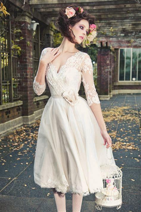 Graceful Wedding Dresses Tea Length Half sleeves V neck Lace Flower Tulle Chiffon Ivory bridal
