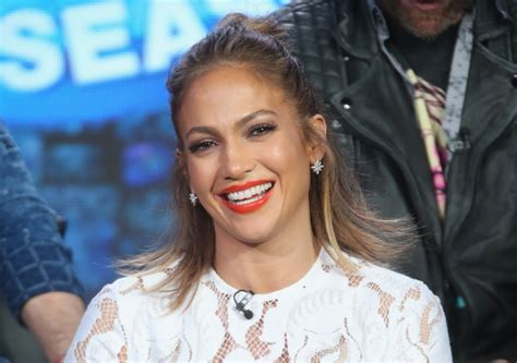 All New J Lo For American Idol Ratings by Gets Goofy In Makeup Free Extratv