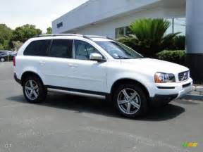 White Volvo Xc90 White 2011 Volvo Xc90 3 2 R Design Awd Exterior Photo