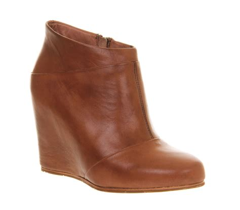 ugg australia carmine wedge boot chestnut leather ankle