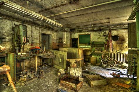werkstatt modern moderne werkstatt ist foto bild