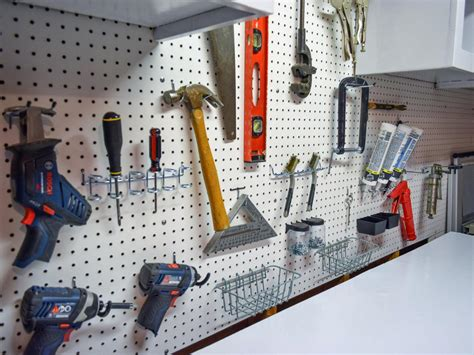 Peg Board Garage by How To Install A Pegboard How Tos Diy
