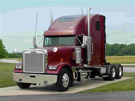 freightliner trucks freightliner classic 14 wallpaper freightliner trucks