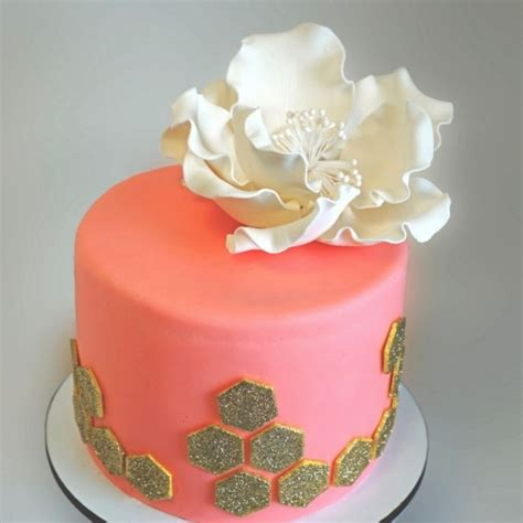 Wedding Cake Bakers by How To Choose A Wedding Cake Baker Weddingwire