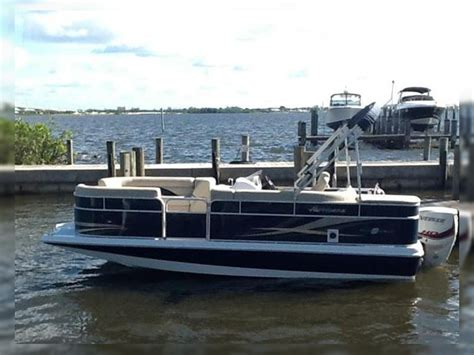 hurricane deck boat reviews hurricane 216 fun deck for sale daily boats buy