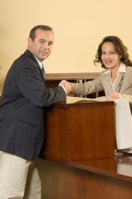 hotel receptionist salary our everyday life
