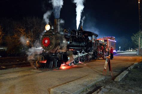 Niles Train Of Lights by Christmas Holiday Train Rides 2017 Including Official